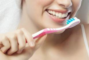 Берегите зубы, чтобы не быть в старости с костылем во рту