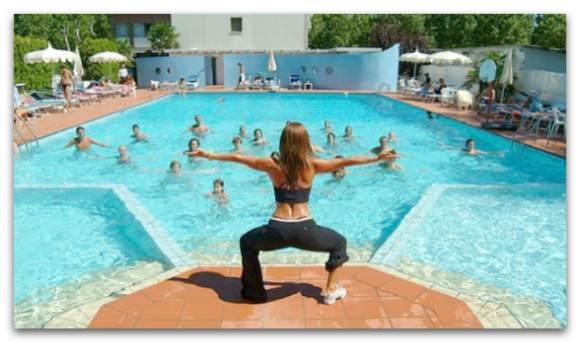 Упражнения аквааэробики